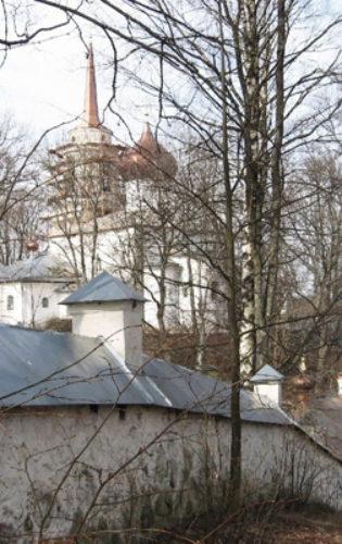 Пушкиногорский монастырь (5) Дом Ветеранов